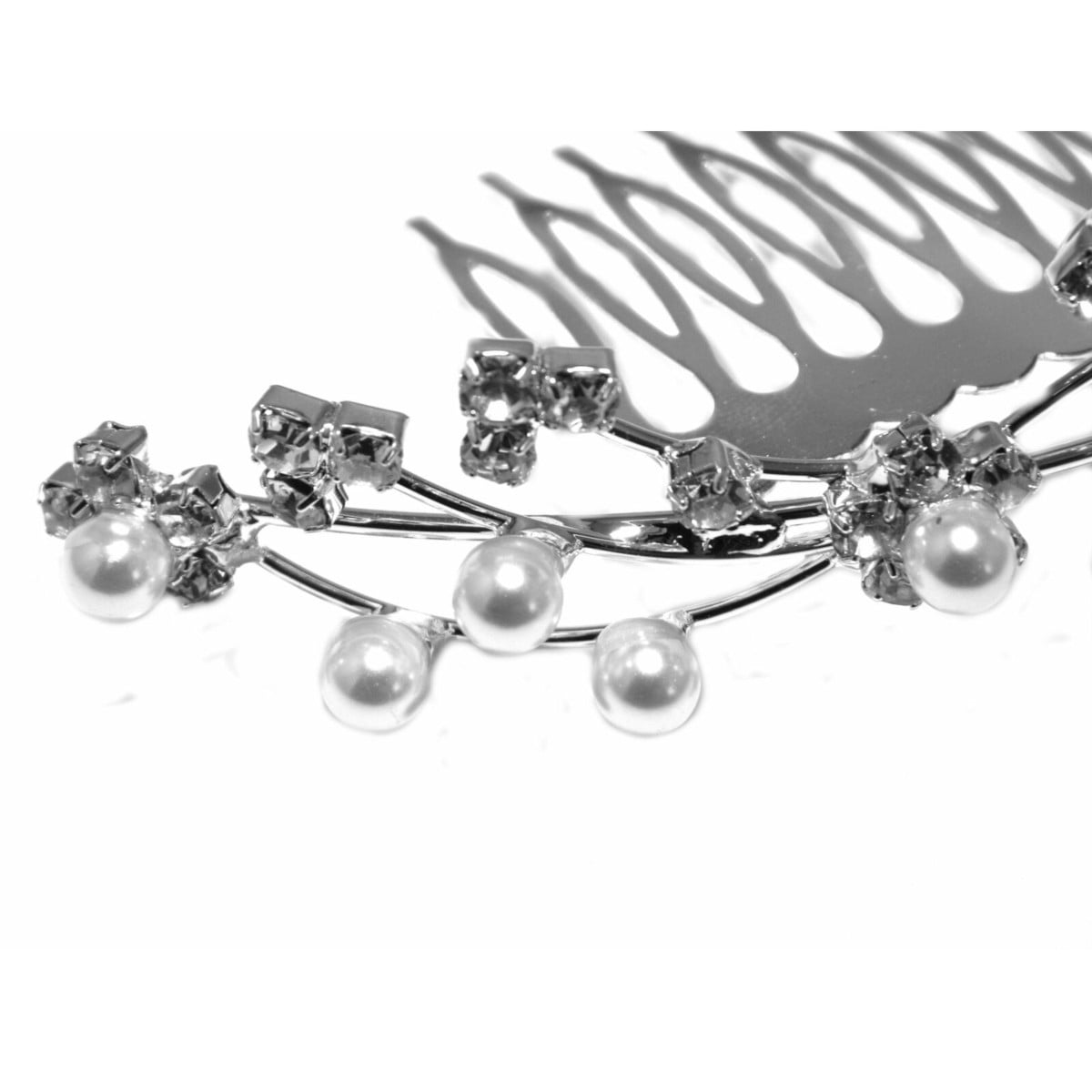 Hair comb with clear crystals and pearls ideal bridal wedding piece close