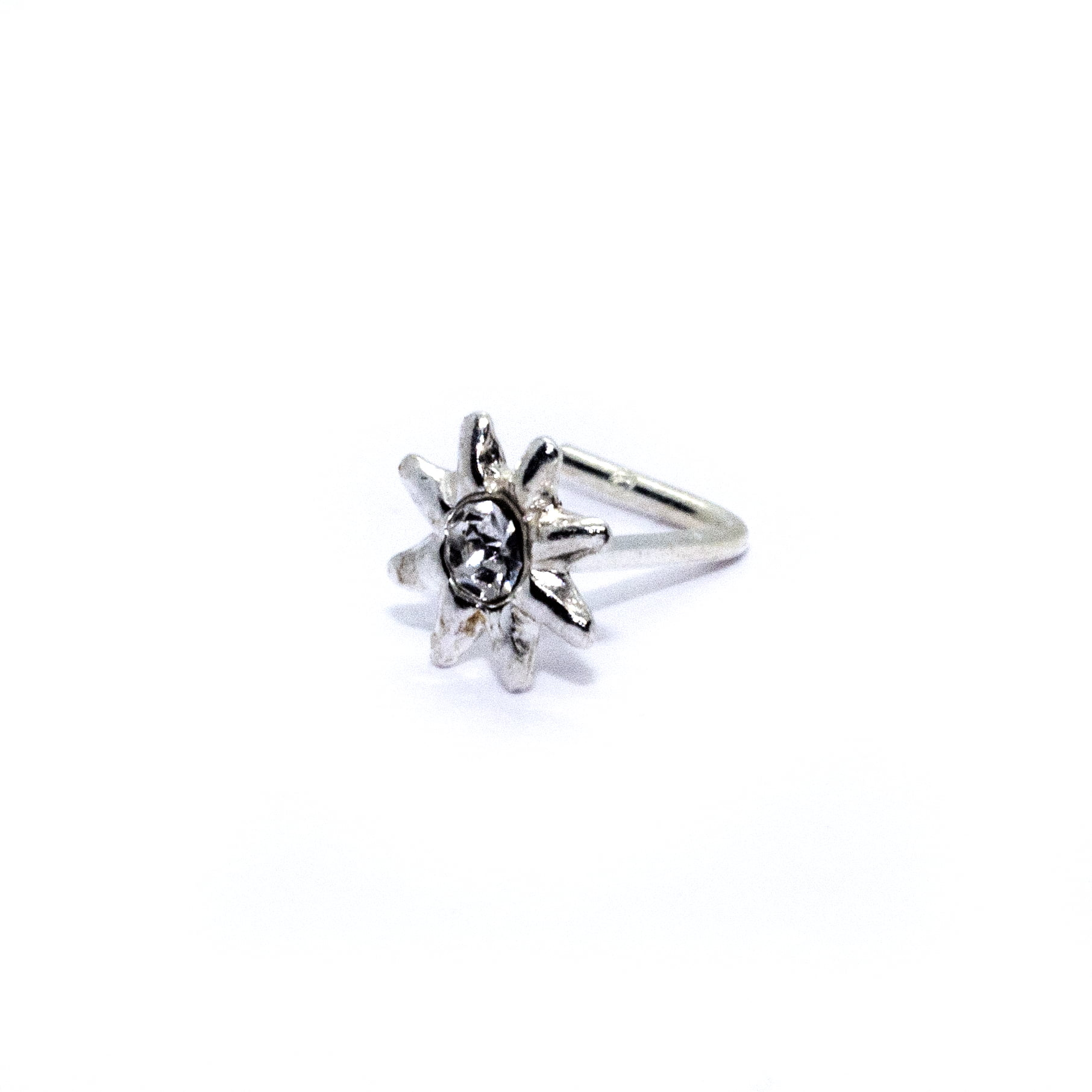 Star nose stud in sterling silver (alt4)