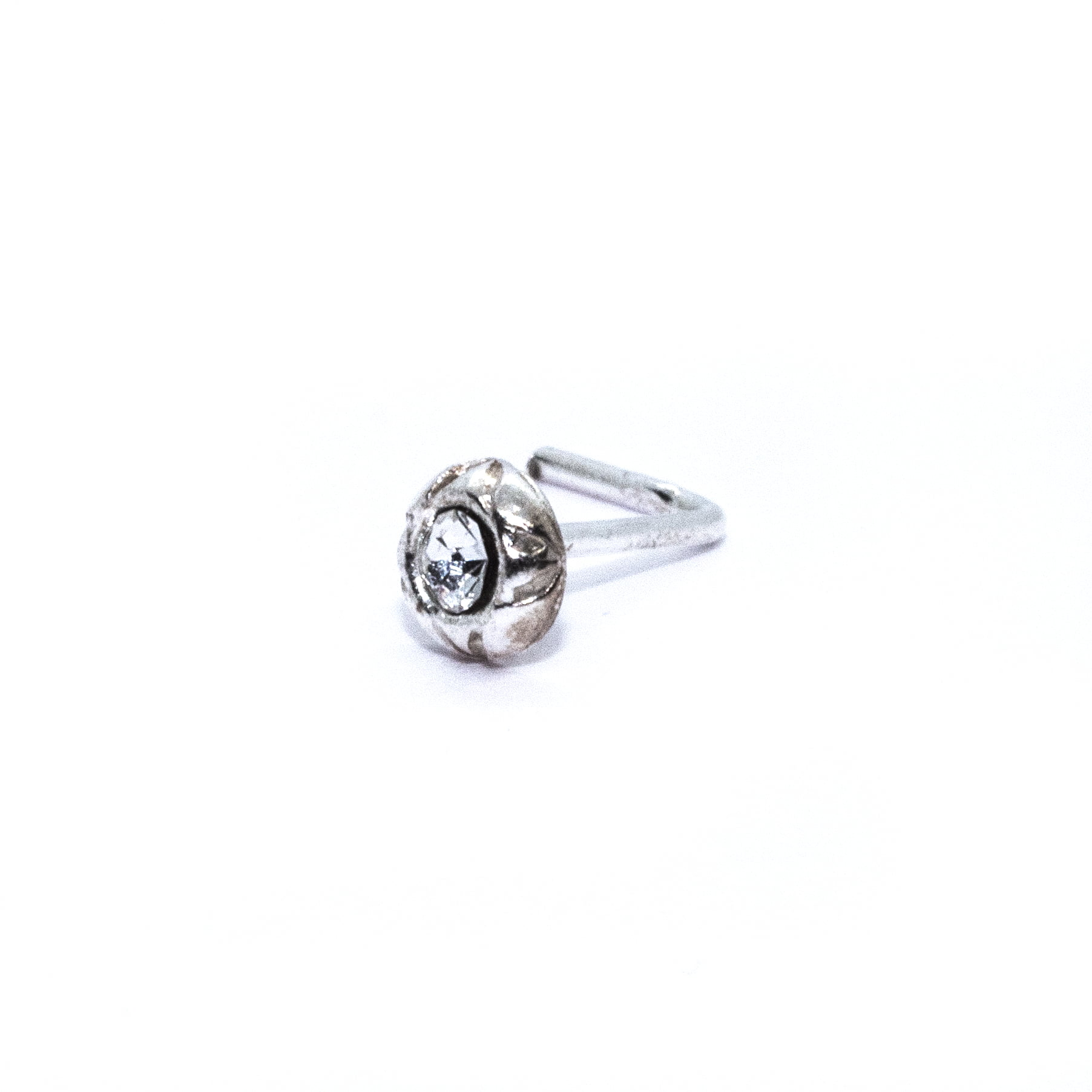 Round nose stud in sterling silver (alt1)