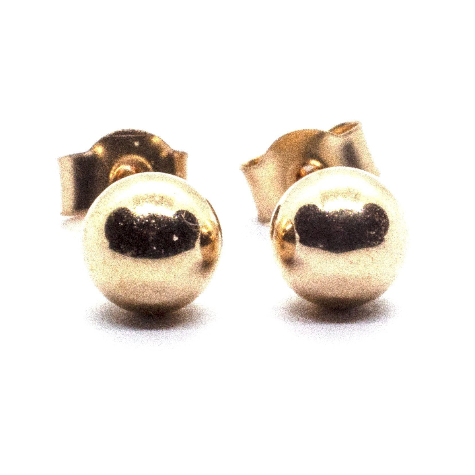 4mm 9ct gold ball earrings closer