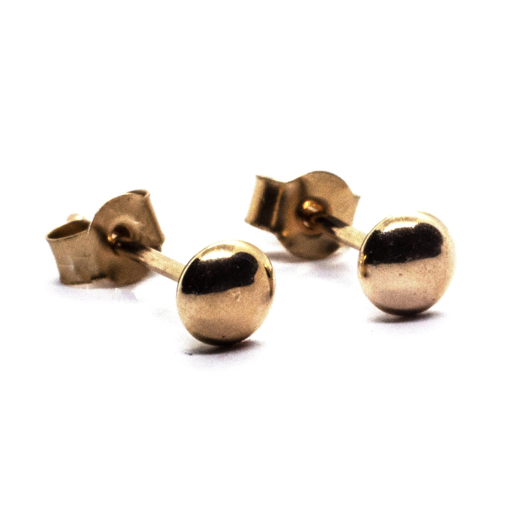 3mm gold bouton earring
