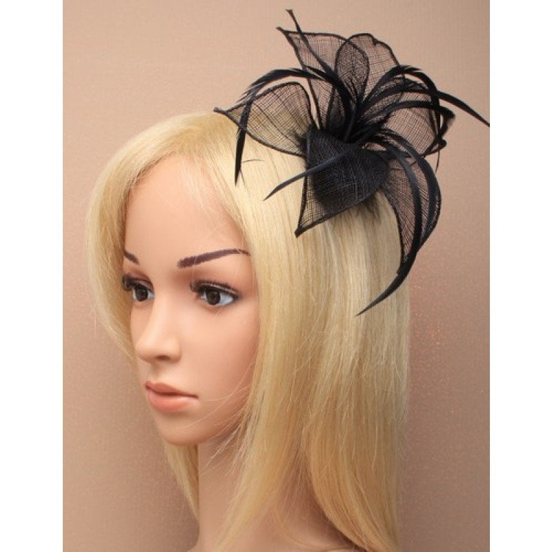 Navy blue fascinator on model